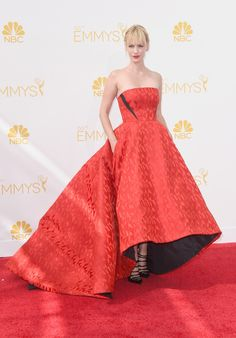 Finally, Hollywood Returns to Glamour . . . I LOVE it! 15-Retro-Hollywood-Gowns-at-the-Emmys-2014_8.htm