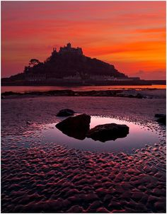 Michael's Mount, Cornwall I stayed in Marazion last year, but this view… West Cornwall, Devon And Cornwall, Cornwall England, Yorkshire England, Yorkshire Dales, British Beaches, St Michael's Mount, Castle Painting, Mont Saint Michel