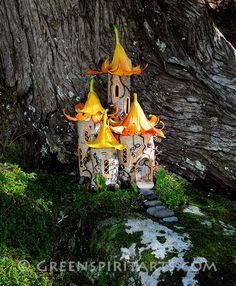 Greenspirit Arts: Lily-topped towers fairy castle house Fairy Garden Houses, Gnome Garden, Fairy House Crafts, Fee Du Logis, Kobold, Wesen, Fairy Doors, Miniature Fairy Gardens, Fairy Land