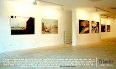 Artista: VARI CARAMÉS; Exposición: TRÁNSITO (Noviembre 2006 - Enero 2007).