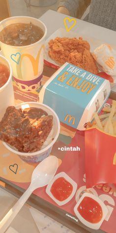 Healthy Protein Breakfast, Healthy Make Ahead Breakfast, Clean Eating Breakfast, Breakfast At Tiffany's Poster, Breakfast At Tiffany's Quotes, Breakfast Table Setting, Junk Food Snacks, Food Snapchat, Love Eat