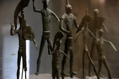 Bronzi votivi raffiguranti Marte combattente ritrovati a Cagli (PU) in località Coltone. Classical Antiquity, Iron Age, E Design, Roman, Sculpture, Antiques, Decor, Mars, Decoration