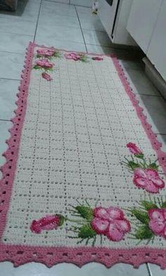 Best Ideas For Crochet Doilies Free Pattern Runners Projects Crochet Mat, Crochet Rug Patterns, Crochet Potholders, Crochet Home, Filet Crochet, Baby Blanket Crochet, Crochet Crafts, Crochet Doilies, Crochet Flowers