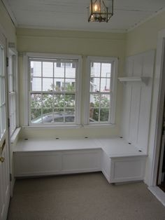41 Perfect Mudroom Bench Decorating Ideas On A Budget. Cool 41 Perfect Mudroom Bench Decorating Ideas On A Budget. A mudroom bench is a necessary and desirable feature of a new home. Enclosed Front Porches, Porch Enclosures, Building A Porch, Room Additions, Built In Bench, House With Porch, Front Entrances, Cool House Designs, Built Ins