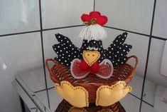 Fiz essas 23 cestinhas para alegrarem uma festinha de aniversário de criança,essas cestinhas são tamanho M. Encomenda de Aline de Vitória / ES.
