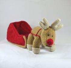 Knitting Pattern for Reinderr and Sleigh - #ad cute Christmas holiday decoration or toy. Reindeer is 20cm long and 20cm to antlers. Sleigh is 23cm long, 10cm wide and 12cm tall tba