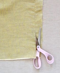 These scarves are simple to make even if you have very little embroidery experience. Best of all once you're done you will have such a special gift for your mom (or grandmother or sister or aunt or friend! Sewing Hacks, Sewing Crafts, Sewing Projects, Sewing Scarves, Purl Bee, Fabric Embellishment, Purl Soho, Diy Scarf, Gifts For Your Mom