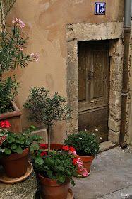 Heaven is in Belgium: Street views in Provence, Number Thirteen