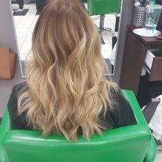 """#ombre #ombrehair #natural #blended #matrix  #socolor #cremecolourlounge #hairbyrachel"""
