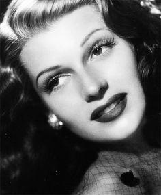 gatabella:  Rita Hayworth