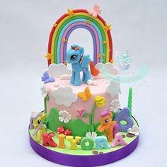 #mulpix #homemade #birthday #cake #cupcake #birthdaycake #handmade #fondant #figurine #fondantcake #fondantart #sugarart #sugarcraft #sugaranimation #cakeart #customcake #cakecirebon #cireboncake #cirebon #ciayumajakuning #cirebonfood #cirebonkuliner #aboutcirebon #infocirebon #mlp #mylittlepony #littlepony #pony