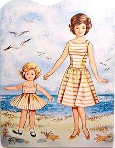 Mother-Daughter-Paper-Dolls-1950s-or-60s-Saalfield-Artcraft-Uncut-USA