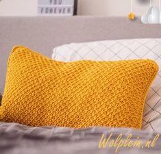 Tunisian Crochet, Chrochet, Crochet Granny, Love Crochet, Diy Crochet, Crochet Cushions, Diy And Crafts, Bed Pillows, Tweed