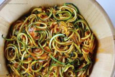 Zucchini noodles with Ginger-Persimmon dressing 4 ingredients, fat-free, raw, vegan, and absolutely delicious :)