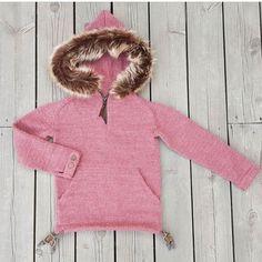 Winter Hats, Sweaters, Instagram, Fashion, Moda, Fashion Styles, Sweater, Fashion Illustrations, Sweatshirts