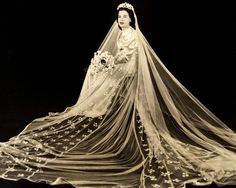 Vintage Wedding Photo of Bride w/Beautiful Train | eBay