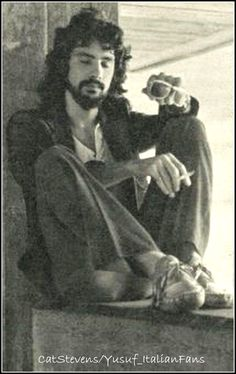 Rock N Roll Music, Rock And Roll, Cat Stevens, Uk Music, Media Icon, Beautiful Soul, Famous Artists, No One Loves Me, Woodstock