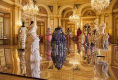 Vestidos barrocos que se llegan a ocupar en obras de teatro.