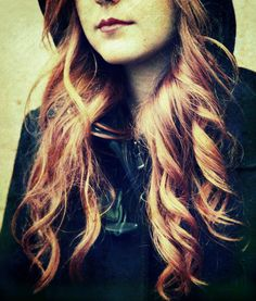 The red-haired girl - null