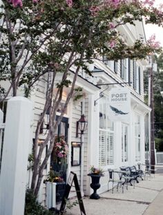 The Charleston Area Wedding Guide : Old Village Post House