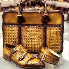 Crocodile briefcase and shoes for sale - Briefcase For Men, Leather Briefcase, Leather Backpack, White Leather Ankle Boots, Leather Shoes, Crocodile, Gentleman Shoes, Handbags For Men, Luxury Shoes