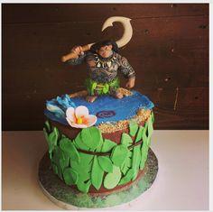 "Louis Pâtissier - Aix-en-Pce on Instagram: ""Gateau d'anniversaire Maui du beau dessin animé Vaiana  #moana #moanacake #vaiana #maui #birthdaycake #cakedesign"""