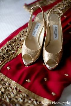Ideas fashion shoes photography inspiration jimmy choo for 2019 Gold Bridal Shoes, Bridal Sandals, Wedding Shoes Heels, Bride Shoes, Gold Fashion, Fashion Shoes, Bridal Fashion, Asian Fashion, Indian Bridal Lehenga