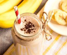 Banana Bread Blast! RECIPE 1 small handful Spinach 1/2 Cup Plain Greek Yogurt 1 Banana (ripe) 2 Tablespoons Walnuts 1/2 Teaspoons Vanilla 1/2 Teaspoon Cinnamon 1/2 Teaspoon nutmeg 1 tablespoon protein powder 1.5 cups almond milk