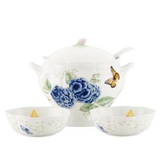 Serve your favorite soups with this delightful Butterfly Meadow Covered Soup Tureen Set by Lenox. Crafted of porcelain, the set is dishwasher and microwave safe, and includes a 118-oz., covered soup tureen, a ladle, and two soup bowls.