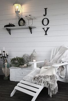 @Joy Ellis Of course I thought of you when I saw this! lol This would be gorgeous in your new sunroom.