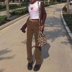 Indie Outfits, Retro Outfits, Cute Casual Outfits, Vintage Outfits, Fashion Outfits, Grunge Outfits, Modest Fashion, Fashion Tips, Corduroy Pants Women