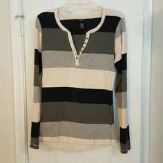 Henley Long sleeve black and gray Henley shirt Rue 21 Tops Tees - Long Sleeve