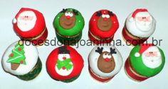 Mini panetones decorados para o Natal: rena, papai noel, árvore de Natal, boneco de neve Christmas Decorated Mini Panettones: Santa, Snowman, Reindeer and Tree
