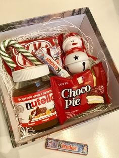 Snowman christmas baskets Gorgeous DIY Christmas Gift Baskets for Teen Girls Diy Christmas Gifts For Kids, Christmas Gift Baskets, Christmas Gift Box, Holiday Gifts, Christmas Crafts, Christmas Room, Homemade Gifts, Diy Gifts, Birthday Presents For Friends