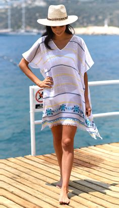 White, blue and yellow kaftan by Seafolly. We love this tassled white cover-up with jacquard print. 40s Outfits, Casual Skirt Outfits, Beach Wardrobe, Swim Shorts Women, Beach Kaftan, Older Women Fashion, Seafolly, Summer Outfits Women, Beach Dresses