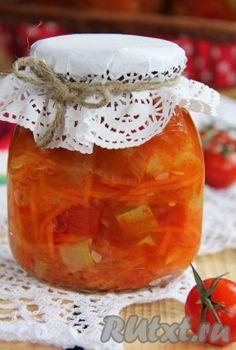 Хочу поделиться интересным рецептом приготовления салата из кабачков, помидоров и моркови на зиму. Салатик получается очень вкусным, в меру острым и ярким. Такой салат в зимнее время можно подать как холодную закуску или как дополнение к горячему блюду. Ингредиенты