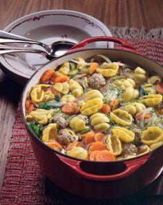 Nudelsuppe aus dem Ofen | Kalorien: 425 Kcal - Zeit: 1 Std. | http://eatsmarter.de/rezepte/nudelsuppe-aus-dem-ofen