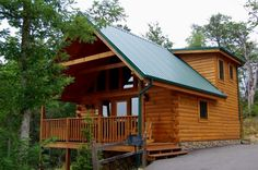Gatlinburg TN vacation cabin rental: Bearway to Heaven - The perfect smoky mountain rental cabin for your honeymoon, family vacation, or weekend getaway.