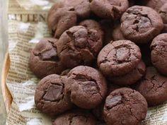 サックサク♡チョコクッキー マーガリンとサラダ油で作る経費削減クッキー( ´艸`) サックサクな仕上がりで美味しい♡ 作り方も簡単です♪