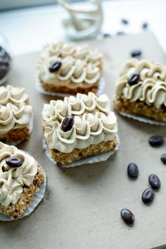 Mocha pastries (no bake) Cooking hats - Own idea: by using gluten-free cookies, this recipe becomes gluten-free (Judith Huber) Mocha pastri - Köstliche Desserts, Best Dessert Recipes, Sweet Recipes, Delicious Desserts, Cake Recipes, Mini Cakes, Cupcake Cakes, Nutella Cake, Dutch Recipes