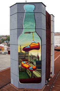 Street Art : Another view of the mural entitled « Toss it ! » by the artist Fat Heat in Prague, Czech Republic. © Fat Heat