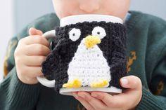Free Crochet pattern - Penguin Mug Cosy #christmas #crochet #MontyThePenguin