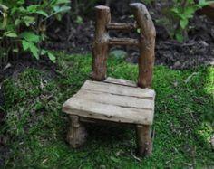 Pintado a mano de madera silla brillante encantador por pamdesign