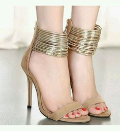 e36a7a3a503f Buy Golden Goegeous Designer Pumps online in India at best price.
