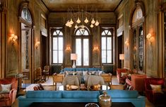 〚 Chic club hotel Soho House in s gorgeous building in Istanbul 〛 ◾ Photos ◾Ideas◾ Design Soho House Hotel, Soho House Group, Soho House Restaurant, Modern Restaurant, Soho House Istanbul, Hotel Architecture, Design Hotel, Hotel Lobby, Hospitality Design
