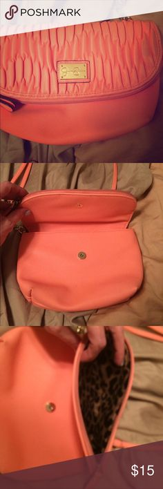 Jessica Simpson coral purse I love this!!!!! It is adorable. Love the colors. Jessica Simpson Bags Crossbody Bags