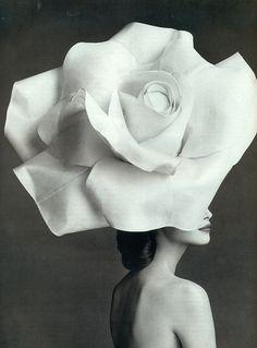 Christy Turlington by Patrick Demarchelier, Vogue UK February 1992