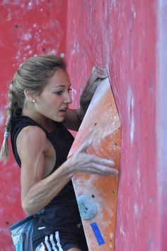 www.boulderingonline.pl Rock climbing and bouldering pictures and news Sasha DiGiulian duri