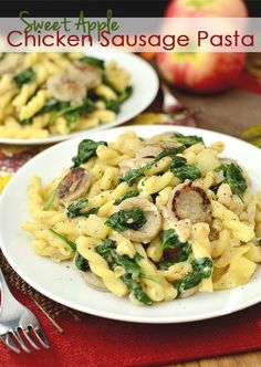 Sweet Apple Chicken Sausage Pasta is nutritious, gluten-free adaptable, and ready in about 20 minutes! | iowagirleats.com