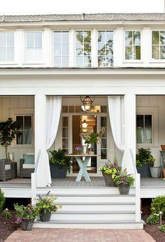 lovely inviting porch - summer nights | http://bestoutdoorlivingrooms.blogspot.com